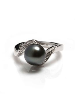 Silver Tahitian Pearl and Diamond Ring