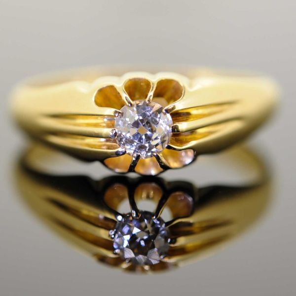 Gentleman's 18ct Yellow Gold Old Cut Diamond Gypsy Set Ring - front image
