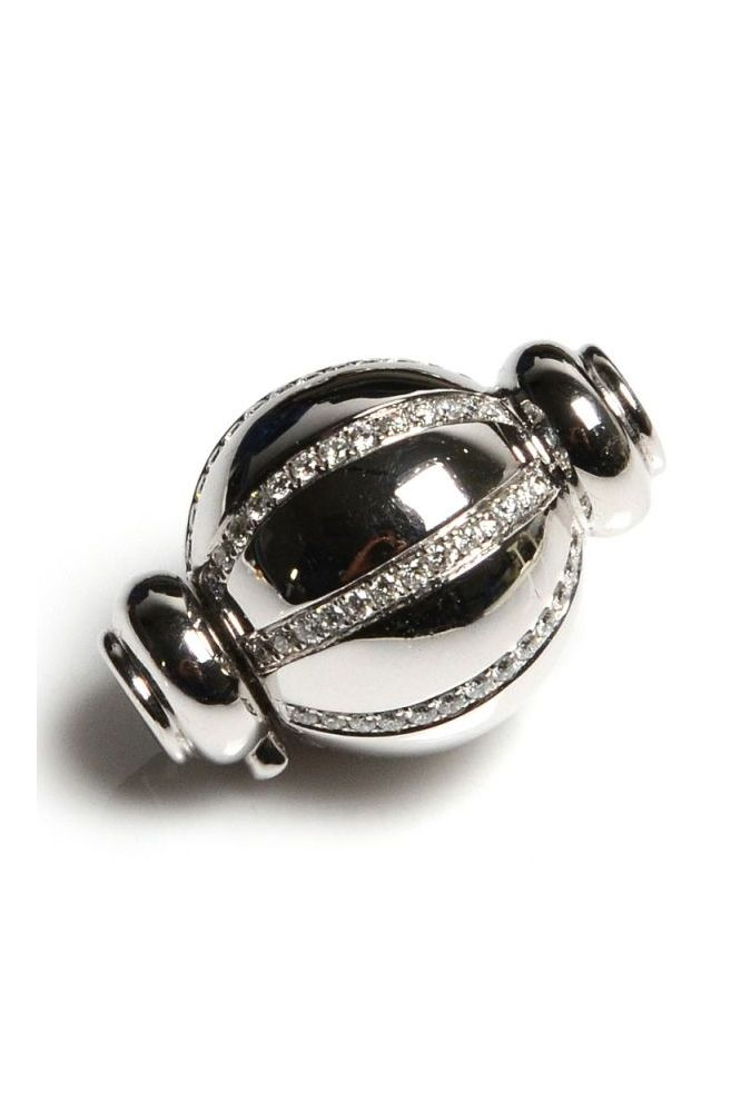 18 ct White Gold and Diamond set ball clasp, Total diamond weight 0.52 cts