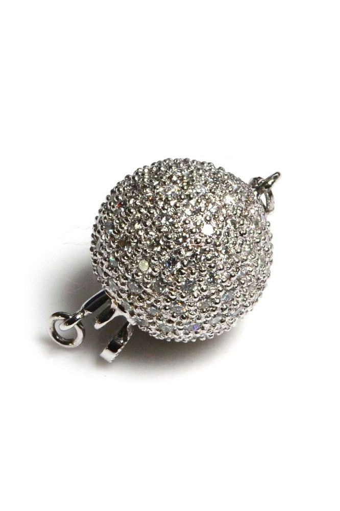 18 ct White Gold and Diamond set ball clasp, Total diamond weight 1.65cts