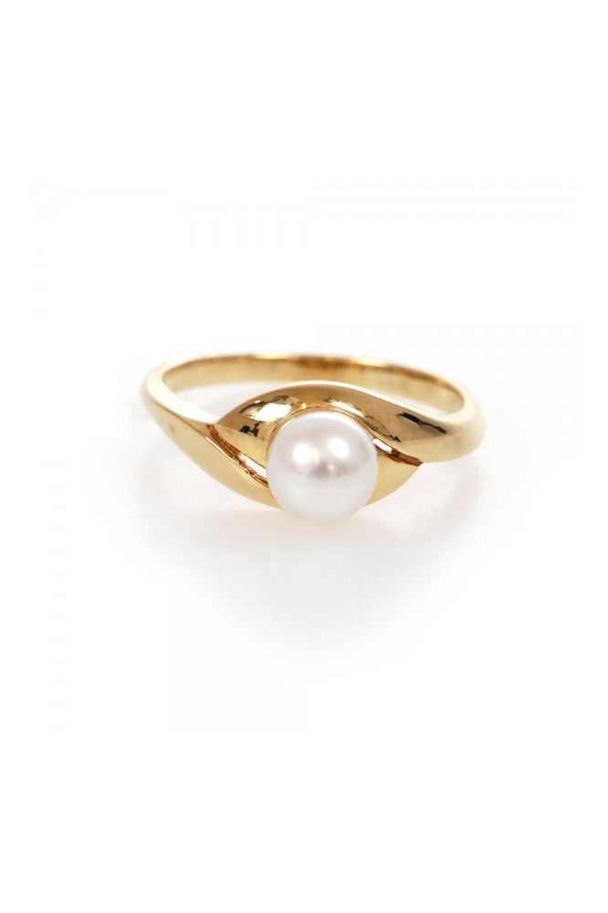 Freshwater Cultured Pearl Ring | 9ct Yellow Gold