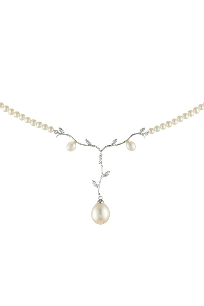 Beautifully artistic Art Nouveau influenced Pearl and Diamond necklace.