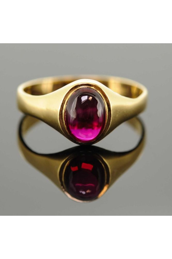 18ct Yellow Gold Synthetic Ruby Signet Ring - front image