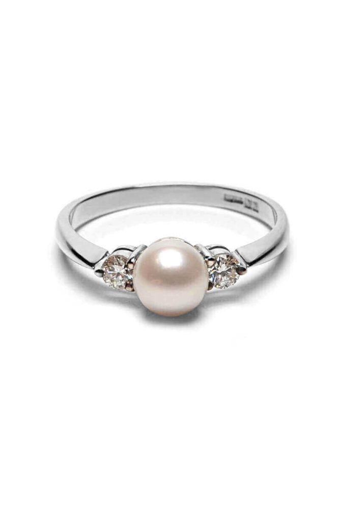 Diamond and White Freshwater Cultured Pearl Ring | 9ct White Gold