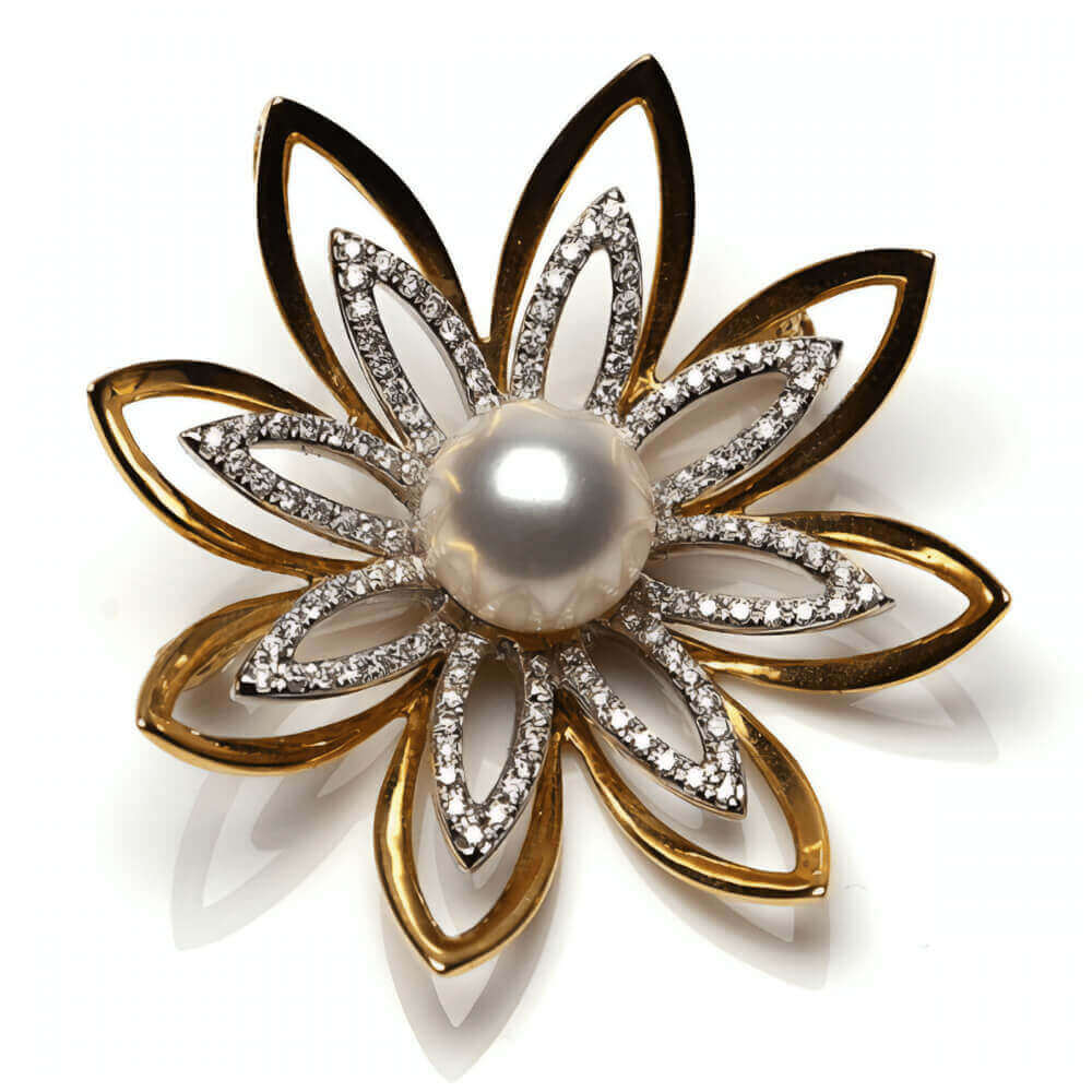 White Freshwater Pearl Flower Brooch | 18 ct Yellow Gold