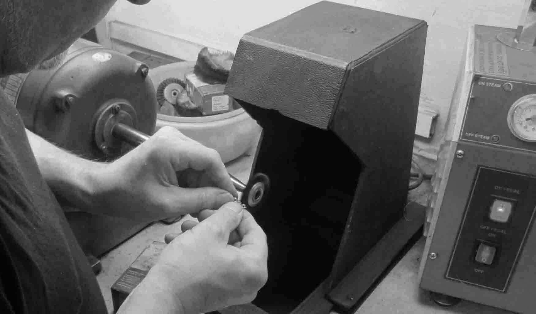Buffing & polishing | Pearl Gallery Workshop
